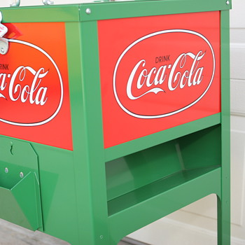 Green Coke Cooler--small coca-cola ice box
