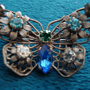 Czechoslovakia signed brooch - Costume Jewelry
