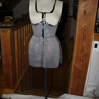 Vintage Sally Stitch Dress Form (Size A)