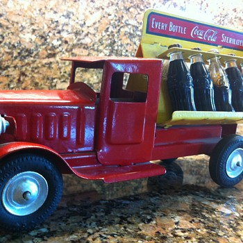 1930's Metalcraft type 215 with electric lights Coca Cola truck - Coca-Cola