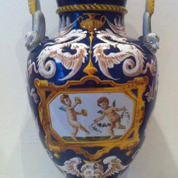 Ginori majolica vase ca. 1870-1890 baroque revival