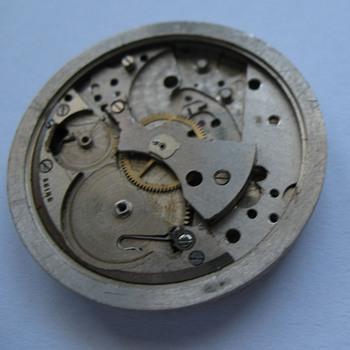 Doxa Eta- movement type guestion - Wristwatches