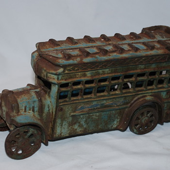 Antique cast iron toy bus, need help for ID?