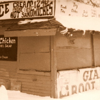 The little Root Beer Stand I ate Lunch at in HS :-)  - Photographs