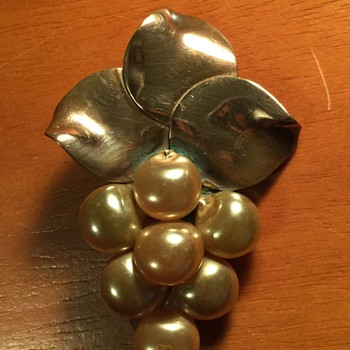 Copper and Pearl Broach Vintage - Costume Jewelry