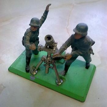 Britains mortar crews. - Toys