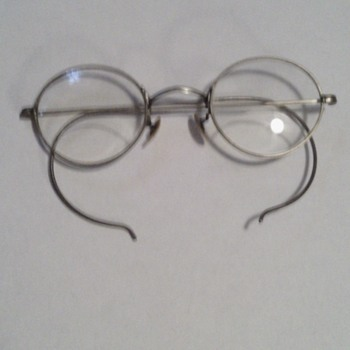 old fashion eyeglasses with byfocals - Accessories