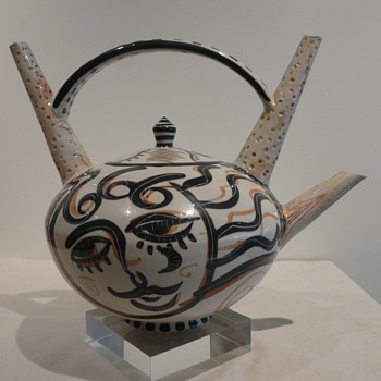 FANTASY TEAPOT BY GINNI JONES '93 - Art Pottery