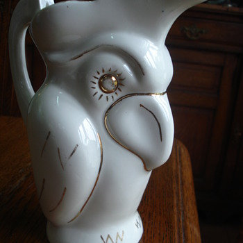 An owl pitcher La Riojana, this one for wine - Art Pottery