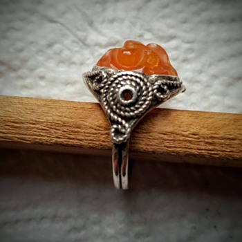Double shank arts and crafts ring with chinese carved cornaline. - Fine Jewelry