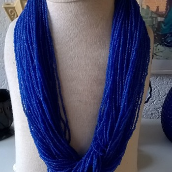Naga Cobalt Blue Glass Seed Beads & Bone Necklace Thrift Shop Find 1,25 Euro ($1.30)