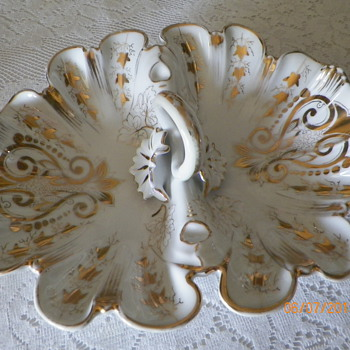 scalloped bowl - China and Dinnerware