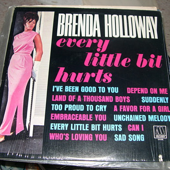 BRENDA HOLLOWAY  EVERY LITTLE BIT HURTS ON MOTOWN RECORDS - Records
