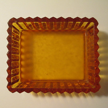 Amber Glass Ridgeleigh pattern