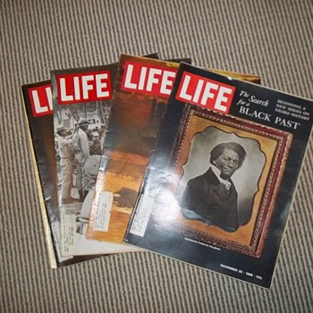 LIFE magazines - Paper