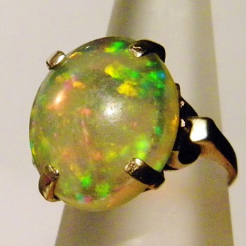 Vintage Deco Crystal Jelly Opal 10k Rose Gold Ring 21mm x 16mm - Fine Jewelry