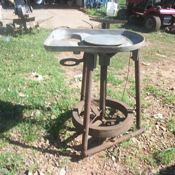 amaco clay company potters wheel from late1940s early 50s