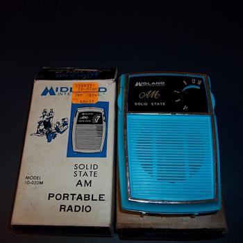 1973 MIDLAND TRANSISTOR RADIO NOS