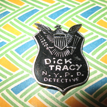 Dick Tracy shield....  - Toys