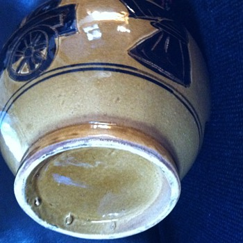 Mystery vase with sgraffito looks early - Art Pottery