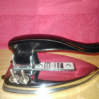 Vintage Valiant 50s/60s Travel Iron!