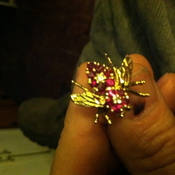 Bumble bee ring
