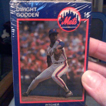 A pack of Mets cards unopened   - Cards