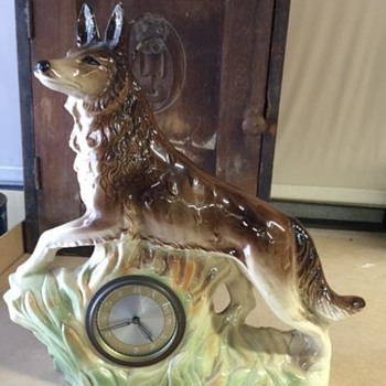 Jema Holland (423) Wolf Mantle Clock - Clocks