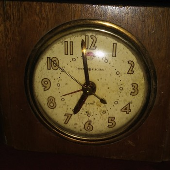 General Electric Alarm Clock