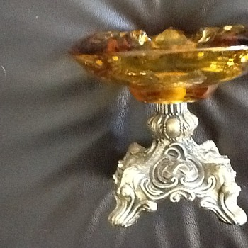 Vintage amber ashtray with metal base - Tobacciana