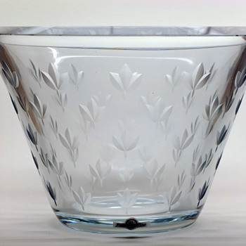 Unique bowl/vase - Gunnar Nylund Strömbergshyttan. - Art Glass