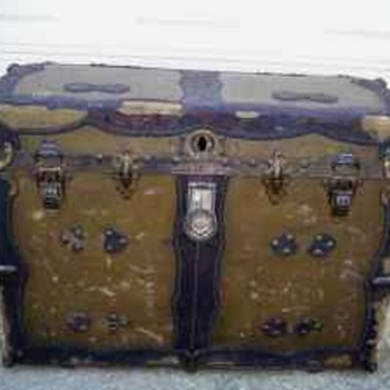 1900's Trunk made in WV Ton of rivets??????? - Furniture