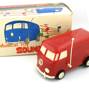 Vintage Tamco Volkswagen Bus Soundwagon Record Player w/ Box - Electronics