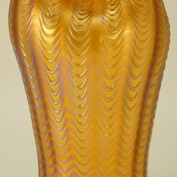 LOETZ  AEOLUS  VASE c. 1902 - Art Glass