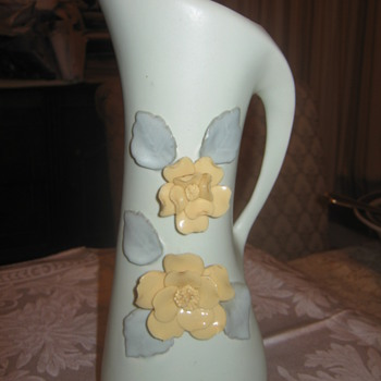 Mystery Vase ? - Art Pottery