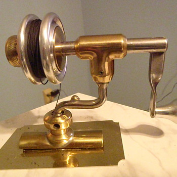 antique bailless spinning reel prototype i think.  manufacturer  ? - Fishing