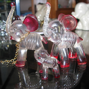 Vintage plastic elephant family
