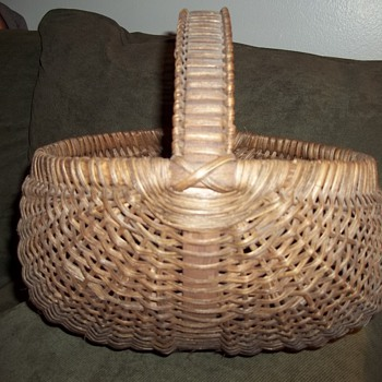 Nice Woven Buttocks Basket  - Folk Art