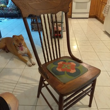 I purchased this chair about a month ago and I'm trying to figure out some information on it