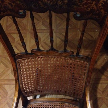 Beautiful Chair Know nothing about it!!