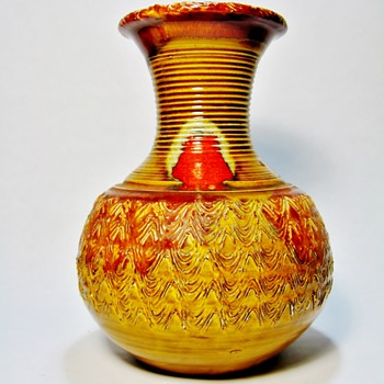 JAMES DRYDEN -USA  - Art Pottery