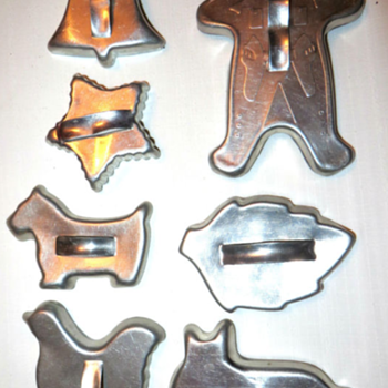 Vintage Metal Cookie Cutters - Kitchen