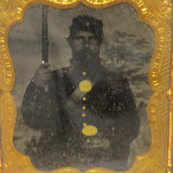Union Soldier with Rifle Ambrotype, Daguerreotype, or tintype?  - Photographs