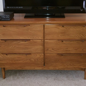 Refinished mid century 6 Drawer Dillingham Dresser