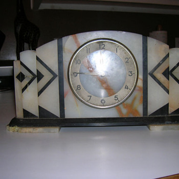 Geometric Marble Art Deco Clock 1930/40's - Art Deco