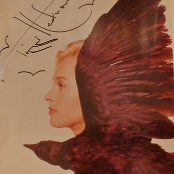 "Tippi Hedron Autographed Photo ""The Birds"" Hitchcock - Photographs"