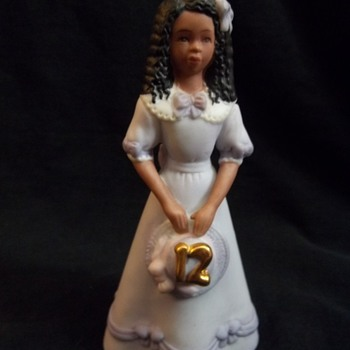 GROWING UP BIRTHDAY GIRL AFRICAN AMERICAN - Figurines
