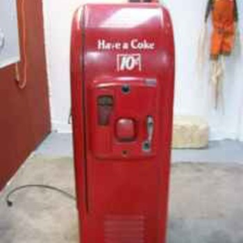 Vintage 1947 Coke Machine