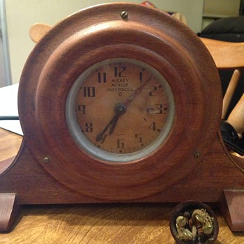 Mickey Mouse Ingersoll Electric Pre Patent Mantle Clock - Clocks