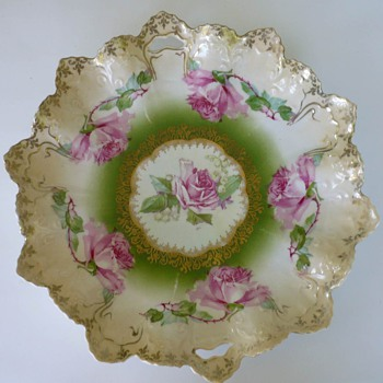 Do You Think This Draped/Scalloped Plate is R S Prussia?